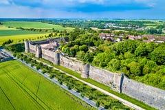 普罗万、镇中世纪市场和联合国科教文组织世界遗产名录站点城市墙壁的鸟瞰图在法国 免版税库存照片