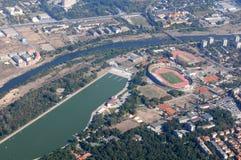 普罗夫迪夫体育复杂在马里查河河附近。 库存图片