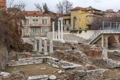 普罗夫迪夫,保加利亚- 2016年12月30日:罗马Odeon废墟全景在市普罗夫迪夫 图库摄影