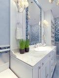 普罗旺斯蓝色卫生间趋向 免版税库存图片