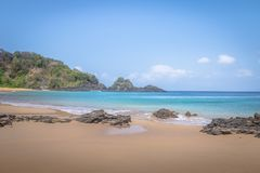 普腊亚做Sancho海滩-费尔南多・迪诺罗尼亚群岛, Pernambuco,巴西 库存照片