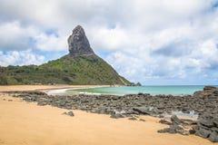普腊亚da康塞桑海滩和Morro做Pico -费尔南多・迪诺罗尼亚群岛, Pernambuco,巴西 免版税库存照片