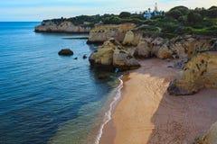 普腊亚dos Beijinhos Lagoa,葡萄牙 免版税库存照片