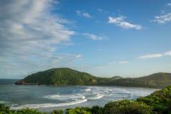 普腊亚Vermelha海滩的看法 免版税库存照片