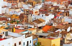 普通的西班牙镇屋顶  免版税库存照片