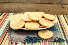 普里或soji rava mainda普里传统印地安gujrati自创被油炸的面包 库存照片
