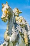 普鲁士人的国王弗雷德里克老雕象用青苔和地衣盖的伟大,波茨坦,德国 库存图片
