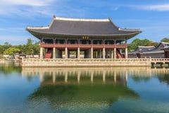 景福宫宫殿的亭子在汉城,韩国 图库摄影