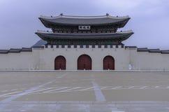 景福宫宫殿Gwanghwamun门在汉城,韩国 免版税库存图片