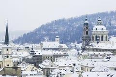 晴朗的冬日在布拉格 图库摄影