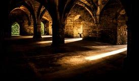 晴朗的城堡房间 免版税库存照片