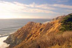 晴朗的海岸线 免版税库存照片