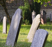 晴朗英国的坟园 免版税库存照片