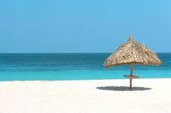 晴朗1个的海滩 免版税库存照片