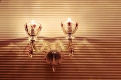水晶墙壁照明设备,墙壁灯台,温暖的光,希望光,打开您的梦想,浪漫时间 库存图片