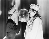 水晶球(所有人被描述不更长生存,并且庄园不存在 供应商保单将没有模型关于 库存照片