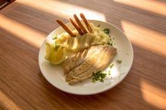 从智利海洋的鲜鱼晚餐 库存图片