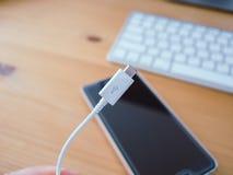 智能手机充电器缆绳 图库摄影