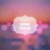 暑假摘要背景。在海海滩例证的日落 库存照片