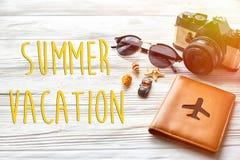 暑假文本、旅行和旅行癖概念,你好summe 库存图片