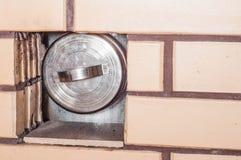 暖气的维护在安全的冬天以后 免版税库存图片