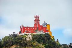 阴暗天气的,辛特拉,葡萄牙贝纳宫殿 库存照片