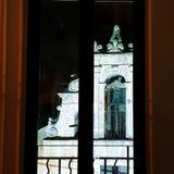 暗室,黑天空的轻的教会 库存照片