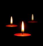 黑暗灼烧的蜡烛 免版税库存图片