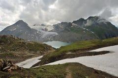 黑暗的云彩在阿尔卑斯 免版税库存图片