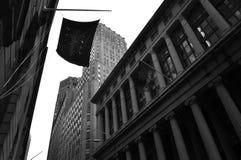 黑暗的华尔街 免版税库存图片