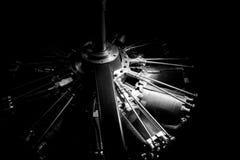 黑暗的发动机零件 免版税图库摄影