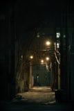 黑暗的城市胡同 库存图片