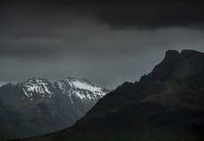 黑暗的山 免版税图库摄影