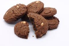 黑暗的巧克力曲奇饼 免版税库存照片