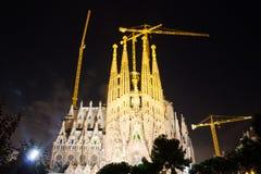 黑暗的时间的Sagrada Familia Barcelon 免版税库存图片