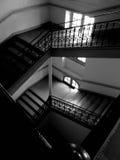 黑暗的楼梯 免版税库存照片