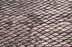 黑暗的瓦屋顶纹理背景背景 免版税库存图片