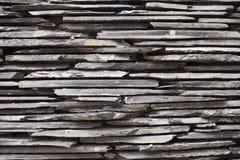 黑暗的砖墙 免版税库存照片