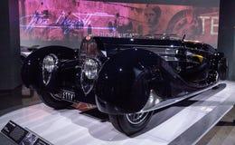 黑暗1939年Bugatti类型57C VanVooren 免版税库存图片