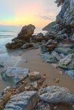 暮色时间的秀丽海岛 库存照片