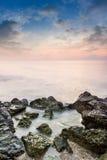 暮色时间的秀丽海岛 库存图片