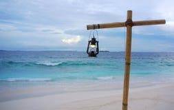 暮色灯笼,海洋浪花 免版税库存图片