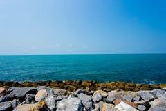 暴雨,风,海滩,海岛,酸值Lipe 免版税库存照片