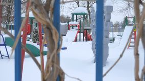 暴雪的儿童的游乐场 股票视频