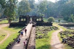暹粒,柬埔寨-公寸10 2016年:Baphuon寺庙在吴哥城 免版税库存照片