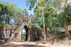 暹粒,柬埔寨- 2016年12月11日:北部门在吴哥城 A 免版税图库摄影