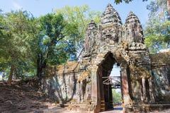 暹粒,柬埔寨- 2016年12月11日:北部门在吴哥城 A 图库摄影