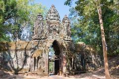 暹粒,柬埔寨- 2016年12月11日:北部门在吴哥城 A 库存图片