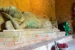 暹粒,柬埔寨- 2016年12月05日:在Baksei Chamk的菩萨雕象 免版税库存图片