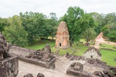 暹粒,柬埔寨- 2016年12月01日:在Roluos寺庙的Bakong F. stratocaster电吉他 免版税库存照片